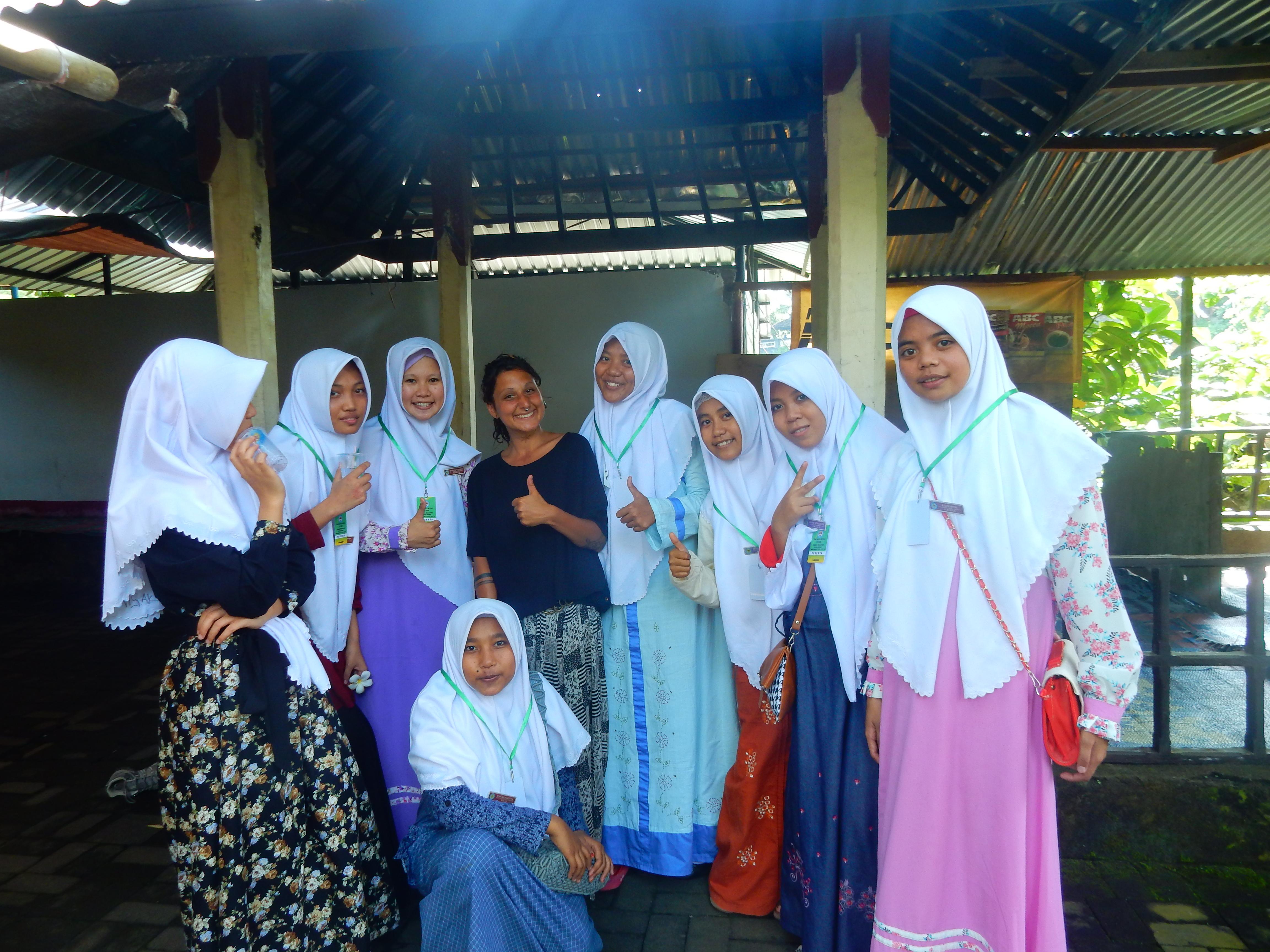 Indonésiennes, Narmada Park, Lombok, Indonésie