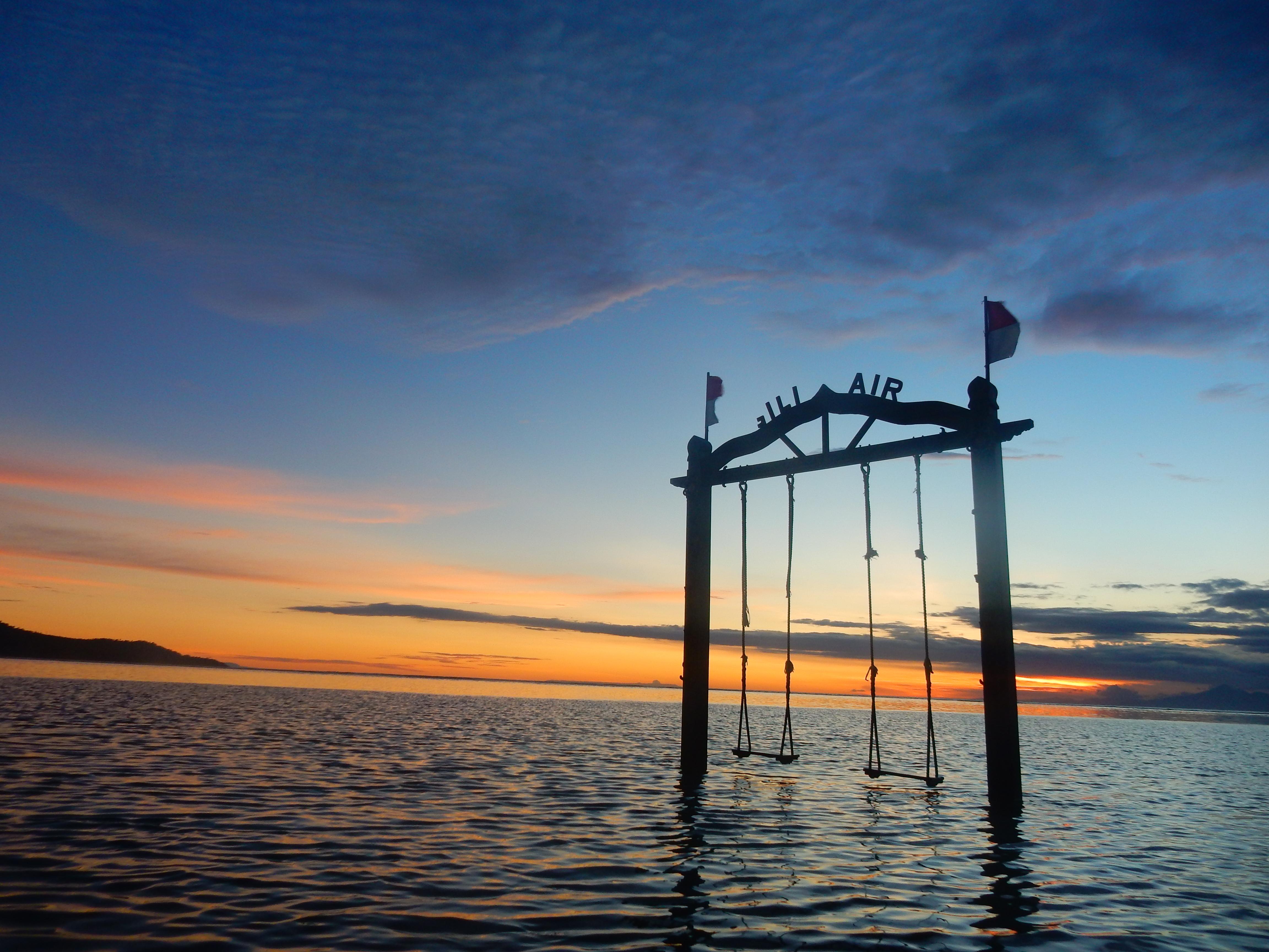 Balançoire coucher de soleil, Gili Air, Indonésie