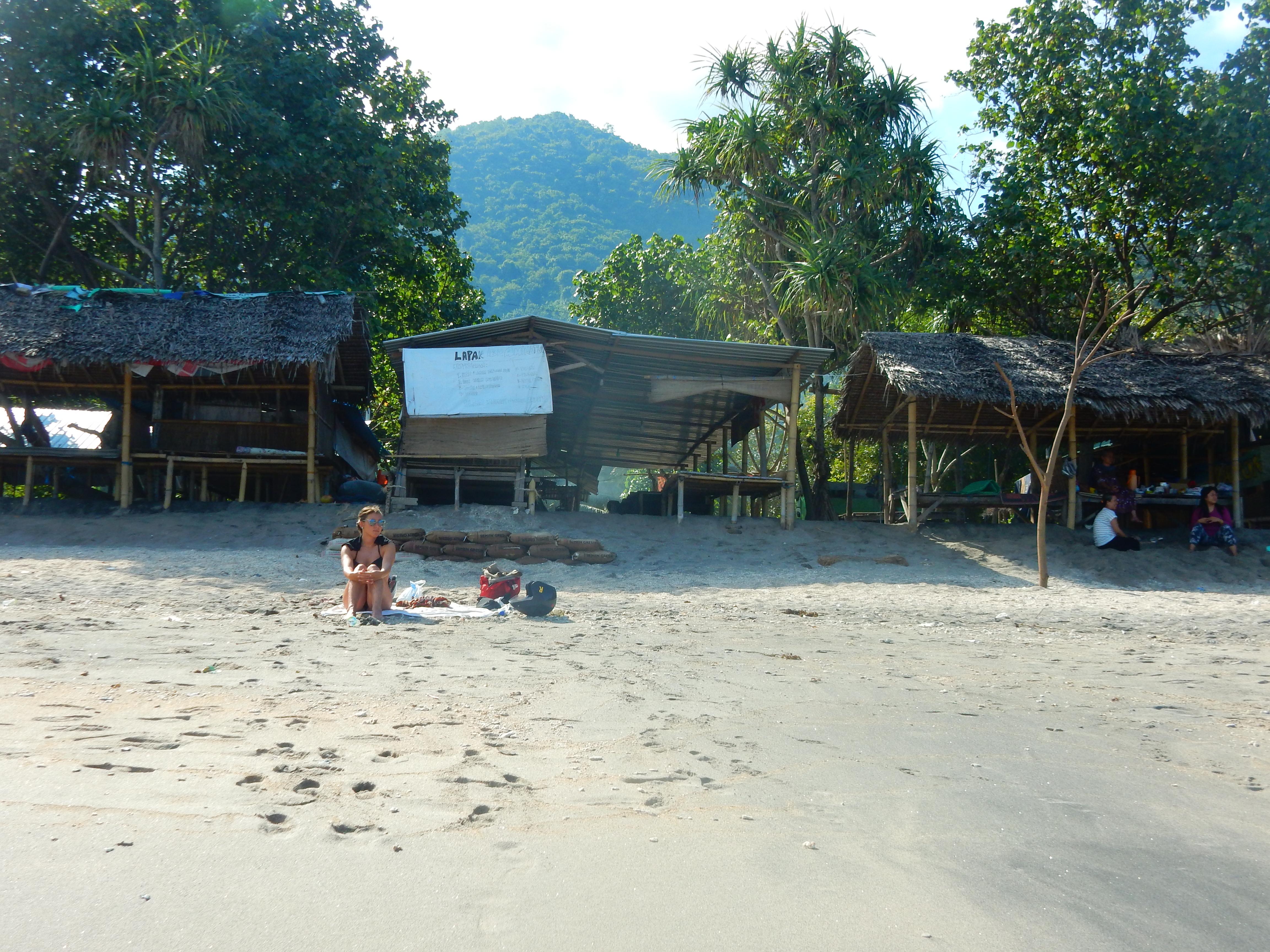 Plage de sable blanc Senggigi, Lombok, Indonésie
