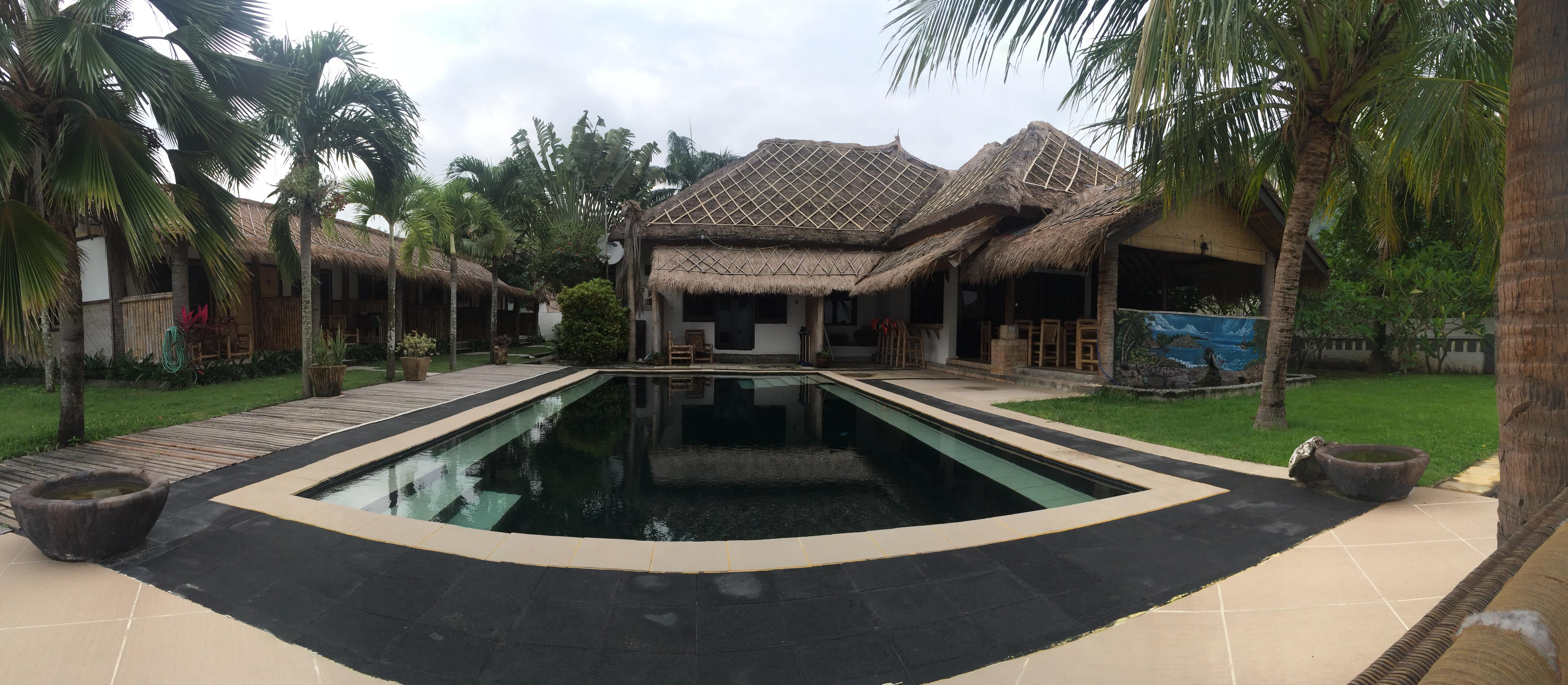 Piscine hôtel Coral Palm, Lombok, Indonésie.