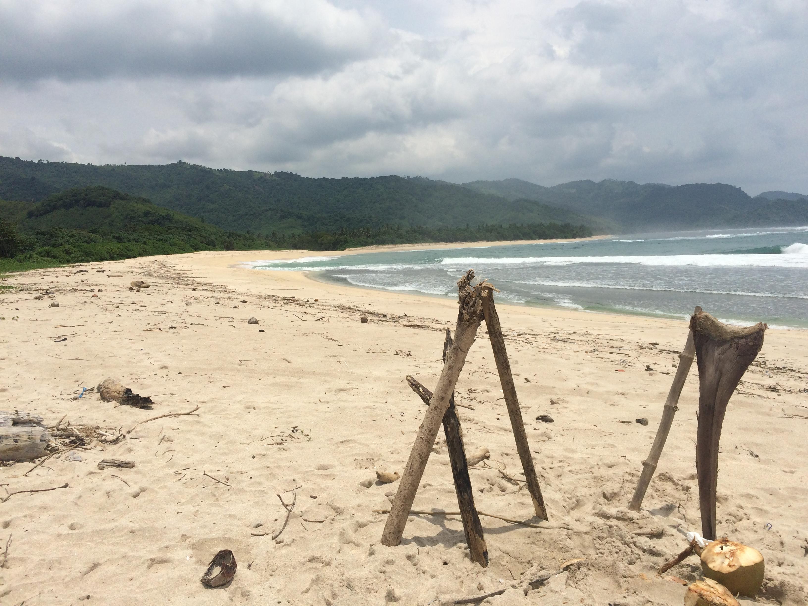 Plage de sable blanc Mekaki, Lombok, Indonésie.