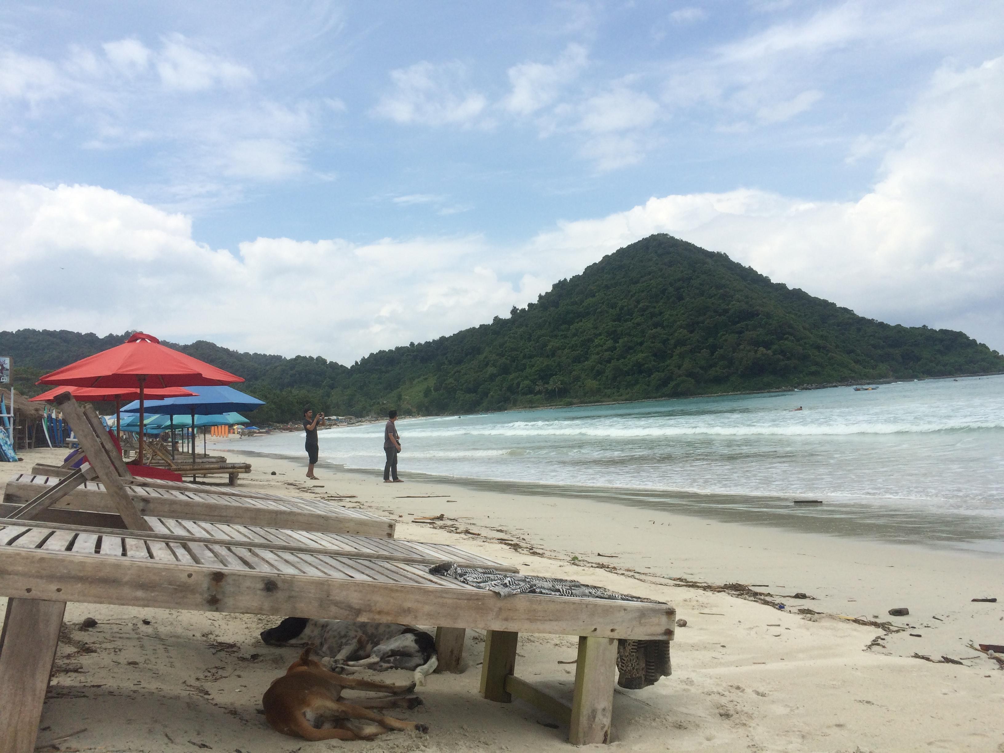 Indonésie, plage de sable blanc et Surf, Selong
