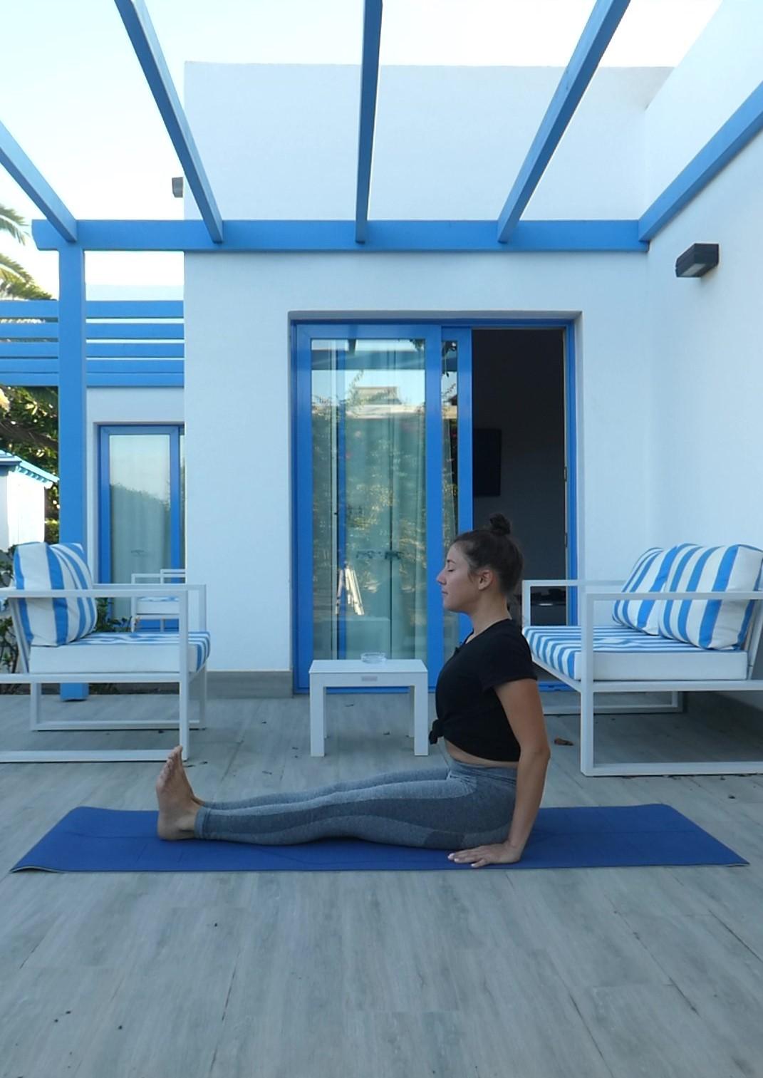 Posture du bâton, Dandasana, yoga