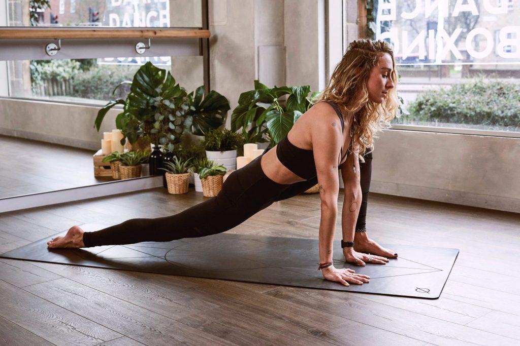 Choisir son tapis de yoga matière