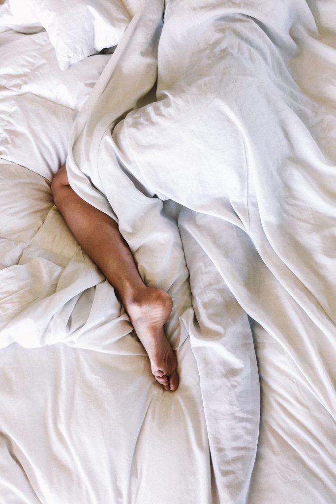 Réveiller son corps en douceur grÂce à une séance de yoga le matin