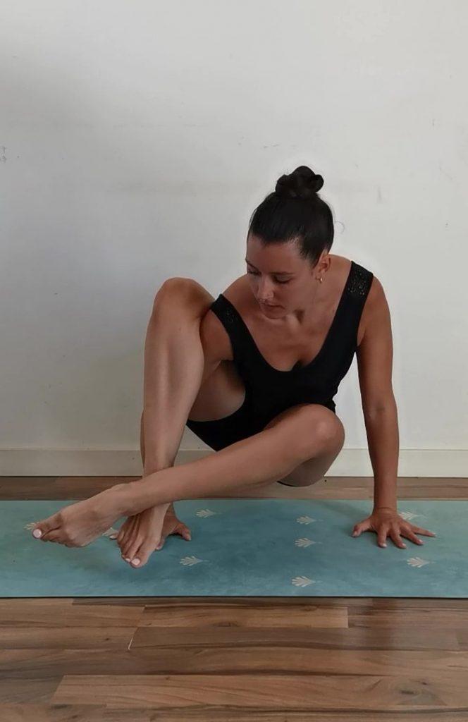 Posture angle du 8 : étape 3