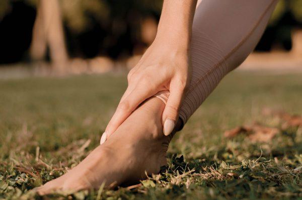 Pied yogi