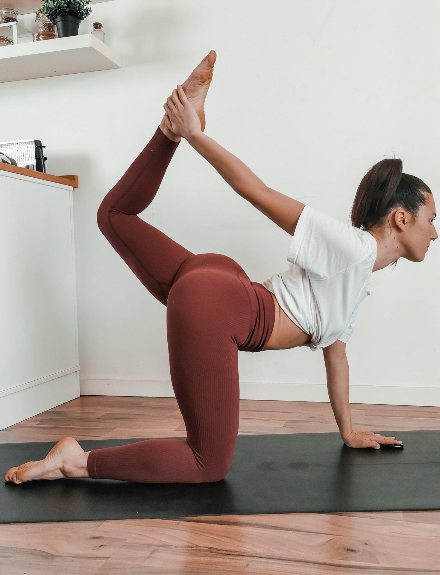 Yoga pour muscler les fessiers